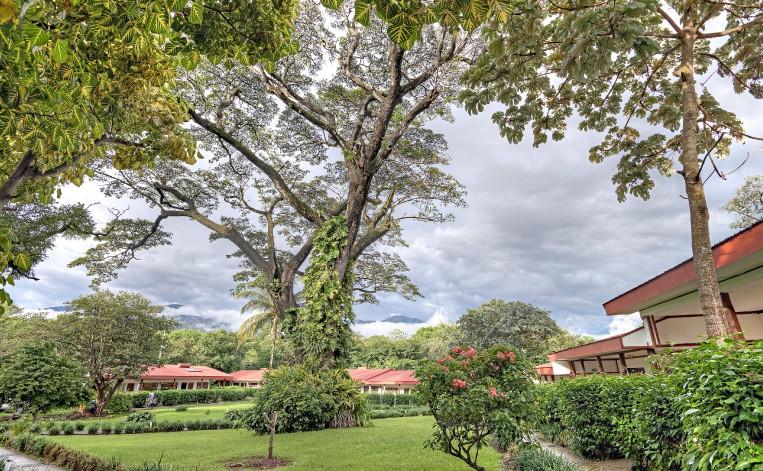hotel_hacienda_guachipelin
